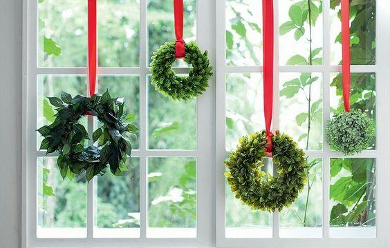 decoracao janela natal coroas