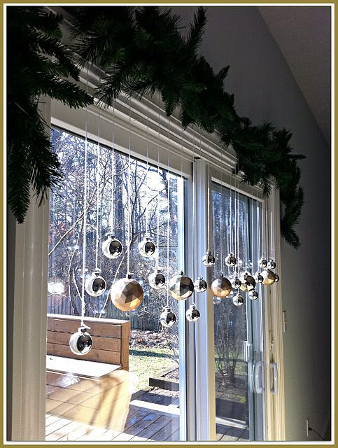decoracao janela natal fitas bolas