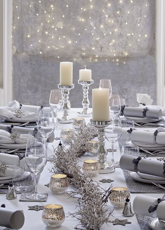 decoracao mesa natal prateada velas