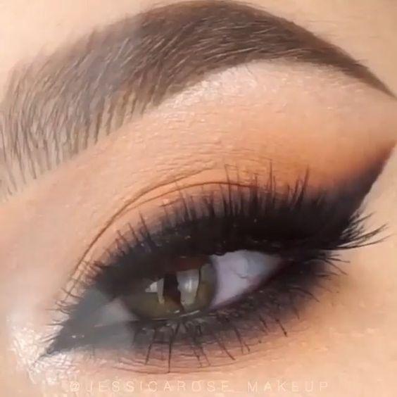 delineado olho moderno esfumado
