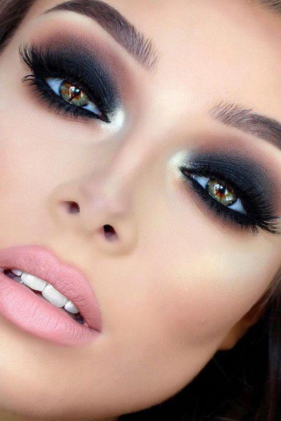 maquiagem noiva olhos esfumados iluminada