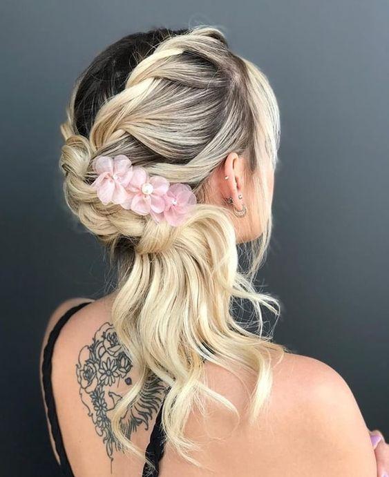 penteado festa acessorios flores