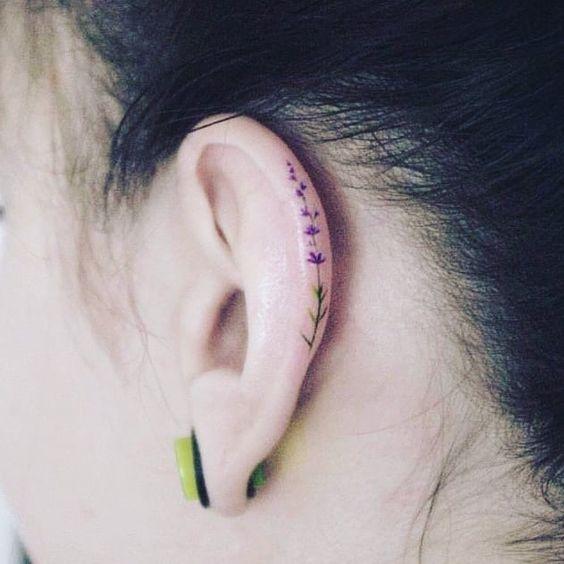 tatuagem orelha