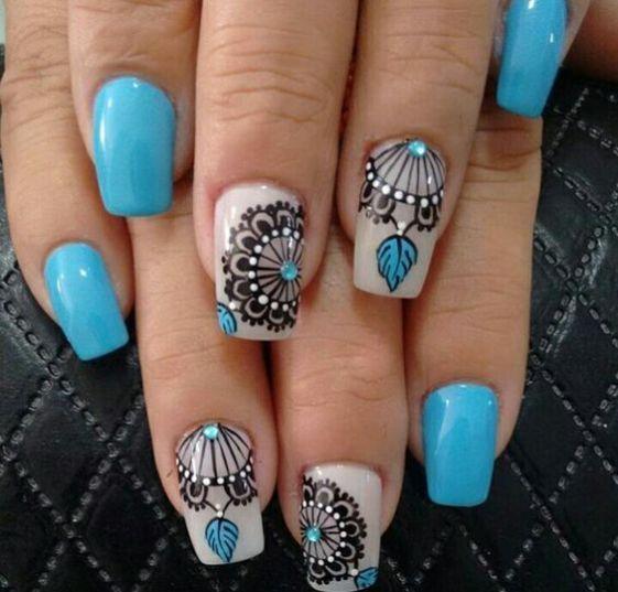 unhas decoradas azuis pedras